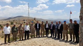15 Temmuz gazileri Bitlis'te üs bölgesindeki askerleri ziyaret etti