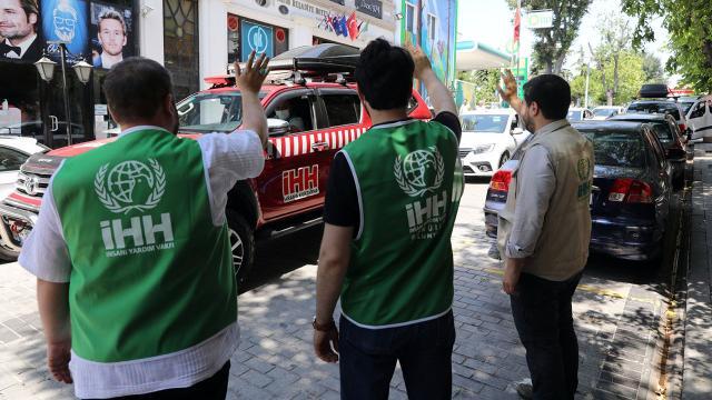 İHH ekipleri kurban bağışlarını ulaştırmak için yola çıktı