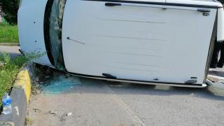 Karabük'te hafif ticari araç devrildi: 1 yaralı