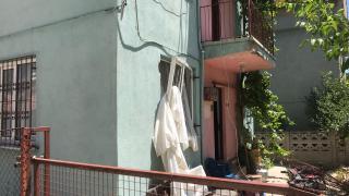 Uşak'ta bir evde tüpten sızan gazın patlaması sonucu hasar oluştu