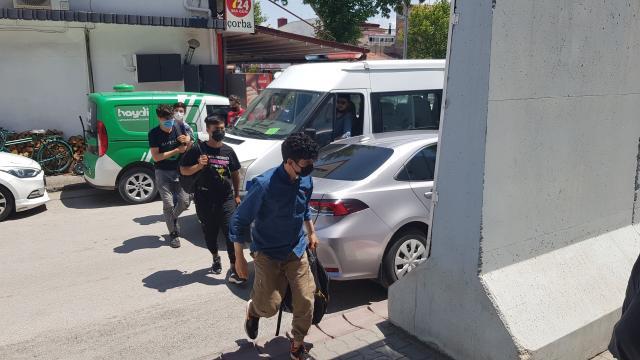 Erzincanda 5 Afganistan uyruklu düzensiz göçmen yakalandı