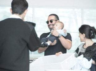 Cem Yılmazın oğlu Kemal bebek