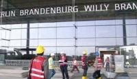 Açılamayan havalimanı istifa getirdi