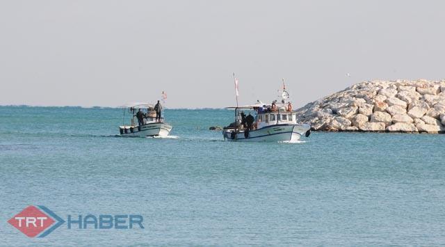 3 balıkçı 20 saat denizde mahsur kaldı