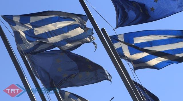 S&P, Yunanistanın notunu yükseltti