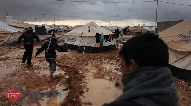 Ürdüne kaçan Suriyelilerin kampını sel vurdu