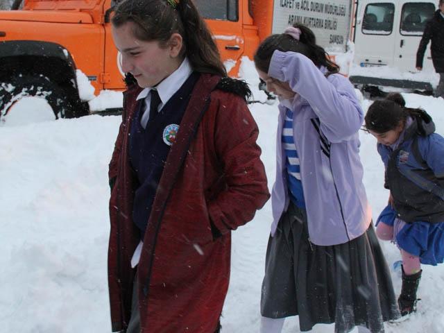 İşte okulların tatil edildiği il ve ilçeler