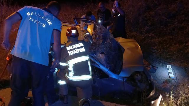 Balıkesirde iki otomobil çarpıştı: 5 yaralı