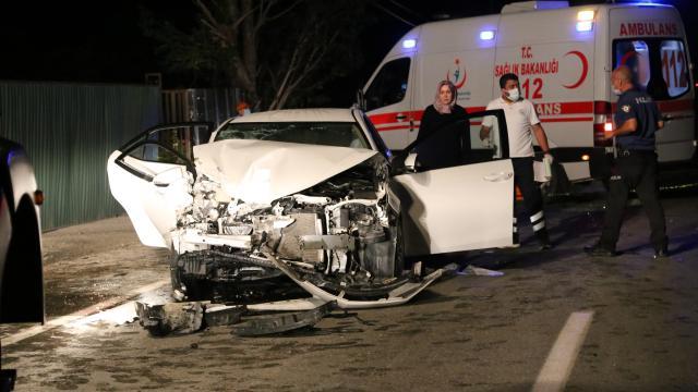 Otomobille iş makinesi çarpıştı: 1 ölü