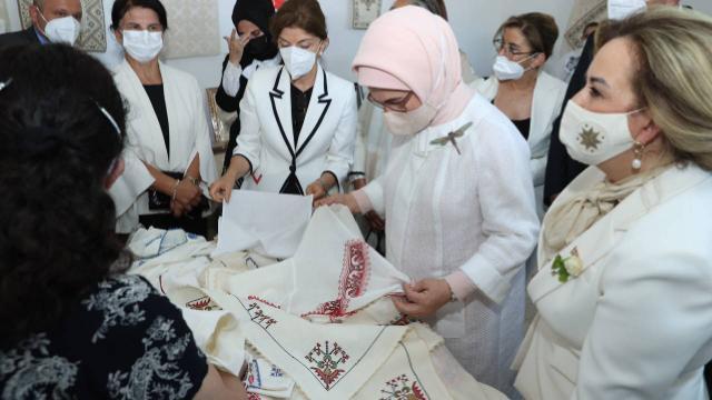 Emine Erdoğan, Girne Belediyesi Sosyal Yaşam Merkezini ziyaret etti