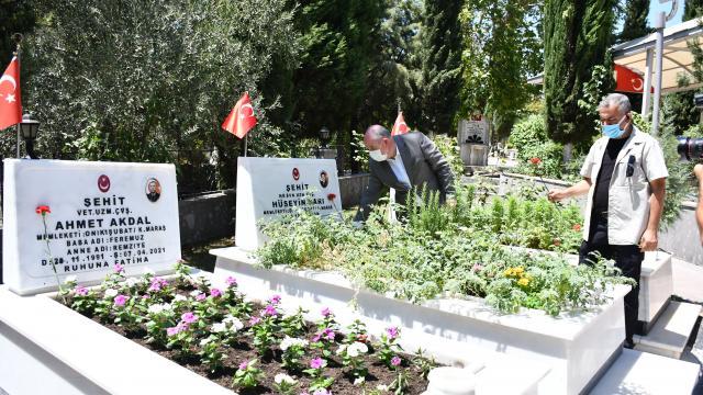 Gaziantep, Adıyaman ve Kahramanmaraşta Kurban Bayramı arifesinde şehitlik ziyaretleri yapıldı