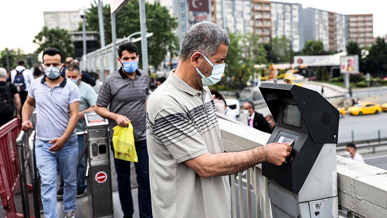 Aşı tablosunda İstanbul'un rengi sarıya döndü