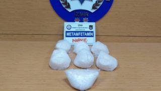 Durdurulan otomobilde 3 kilo metamfetamin ele geçirildi