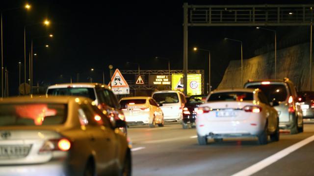 Anadolu Otoyolunun Bolu Dağı kesiminde zincirleme trafik kazası: 5 yaralı