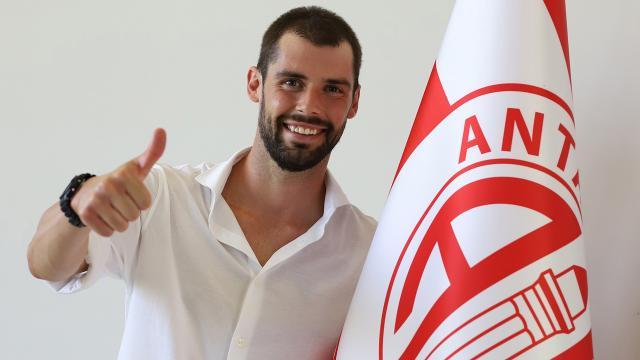 Antalyaspor Andrea Poli ile sözleşme imzaladı