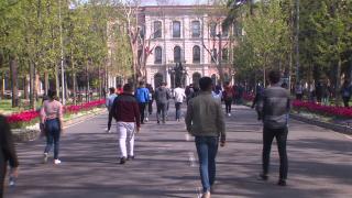 Siyasette gençlere yönelik projeler hız kazandı