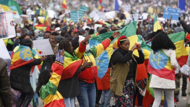 Etiyopyada Tigraylı isyancılara karşı protesto