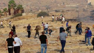 Sivil Yahudi işgalciler Batı Şeria'da Kızılhaç çalışanlarına saldırdı