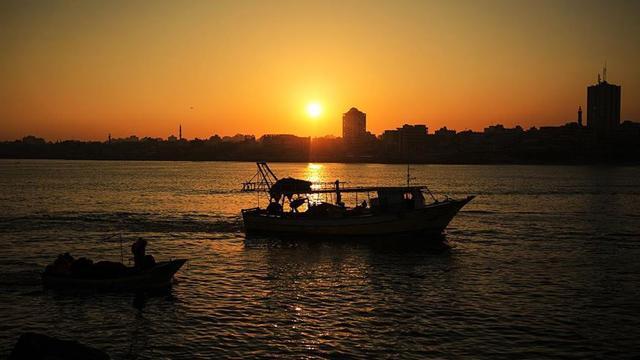 Gazzedeki balıkçıların avlanma mesafesi 6 mile düşürüldü