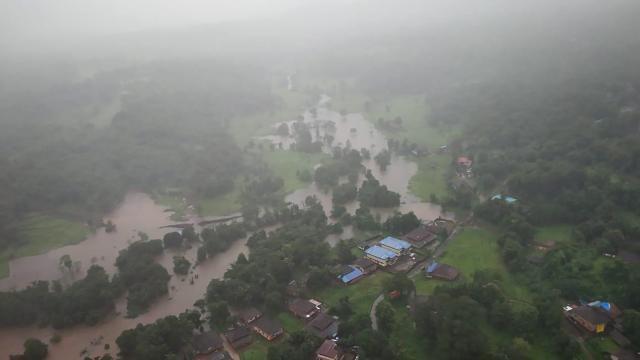 Hindistandaki sel ve heyelanlarda can kaybı yükseliyor