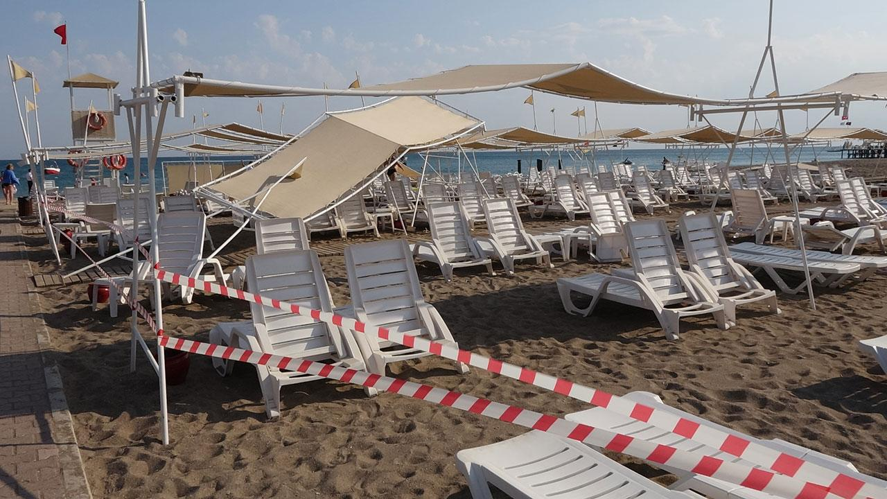 Antalya'da hortum: 6 turist yaralandı