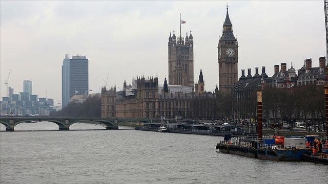 İngiltereden ehliyetleri dijitalleştirme adımı