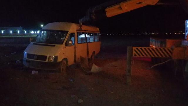 Mevsimlik işçileri taşıyan minibüs devrildi: 1 ölü, 14 yaralı