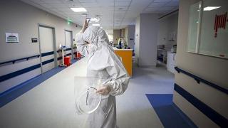 Avustralya'da COVID-19 nedeniyle 5 kişi daha hayatını kaybetti