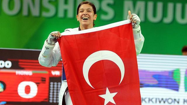 Tekvandoda Nur Tatar çeyrek finalde