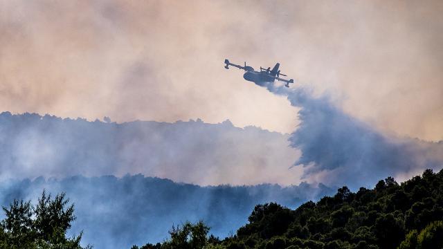 Fransanın Var bölgesindeki yangının bilançosu artıyor: 2 ölü