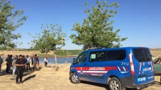 Şanlıurfa'da baraj gölüne giren 3 kardeş hayatını kaybetti