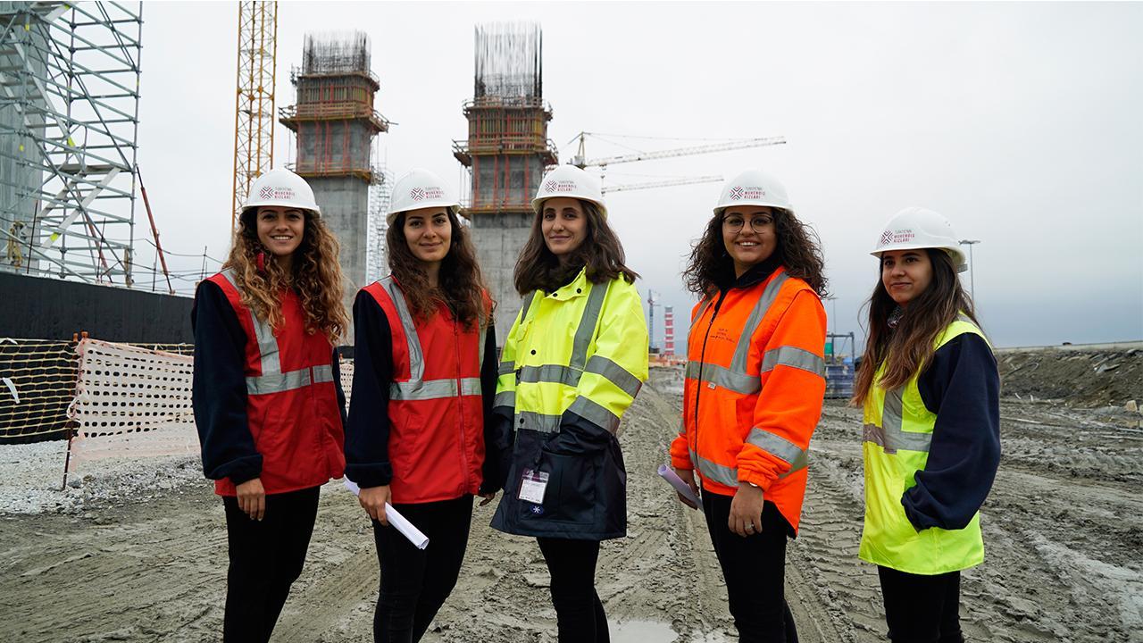 Türkiye'nin Mühendis Kızları iş başında