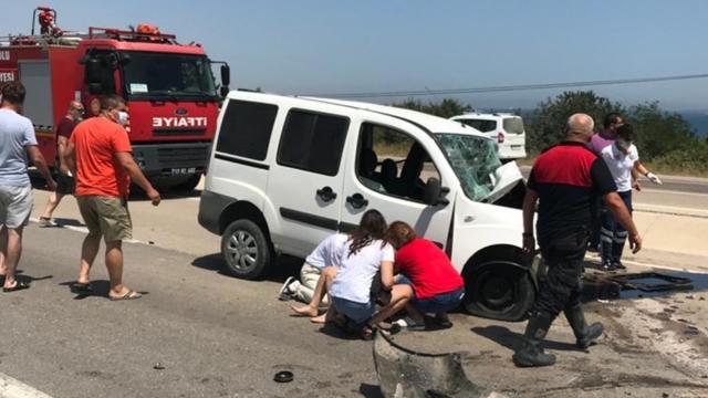 Çanakkalede iki araç çarpıştı: 2 ölü