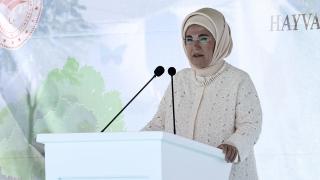 Emine Erdoğan: Onların sessiz feryatlarını duymak boynumuzun borcudur