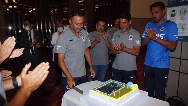 Fenerbahçede Vitor Pereiranın doğum günü kutlandı