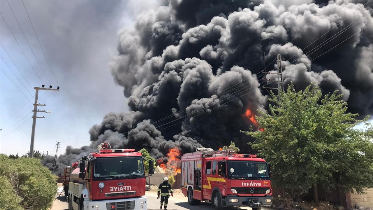 Gaziantep'te yangın: Evler boşaltıldı