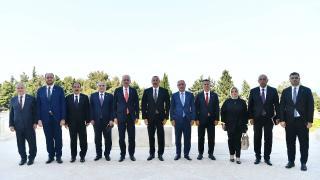 Azerbaycan Cumhurbaşkanı Aliyev, AK Parti heyetini kabul etti