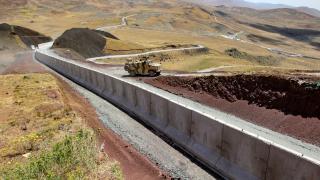 Van-İran sınırına güvenlik duvarı
