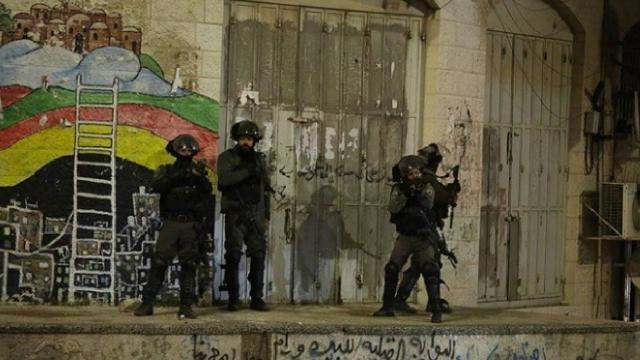 İsrail askerleri Batı Şeriada 13 Filistinliyi yaraladı