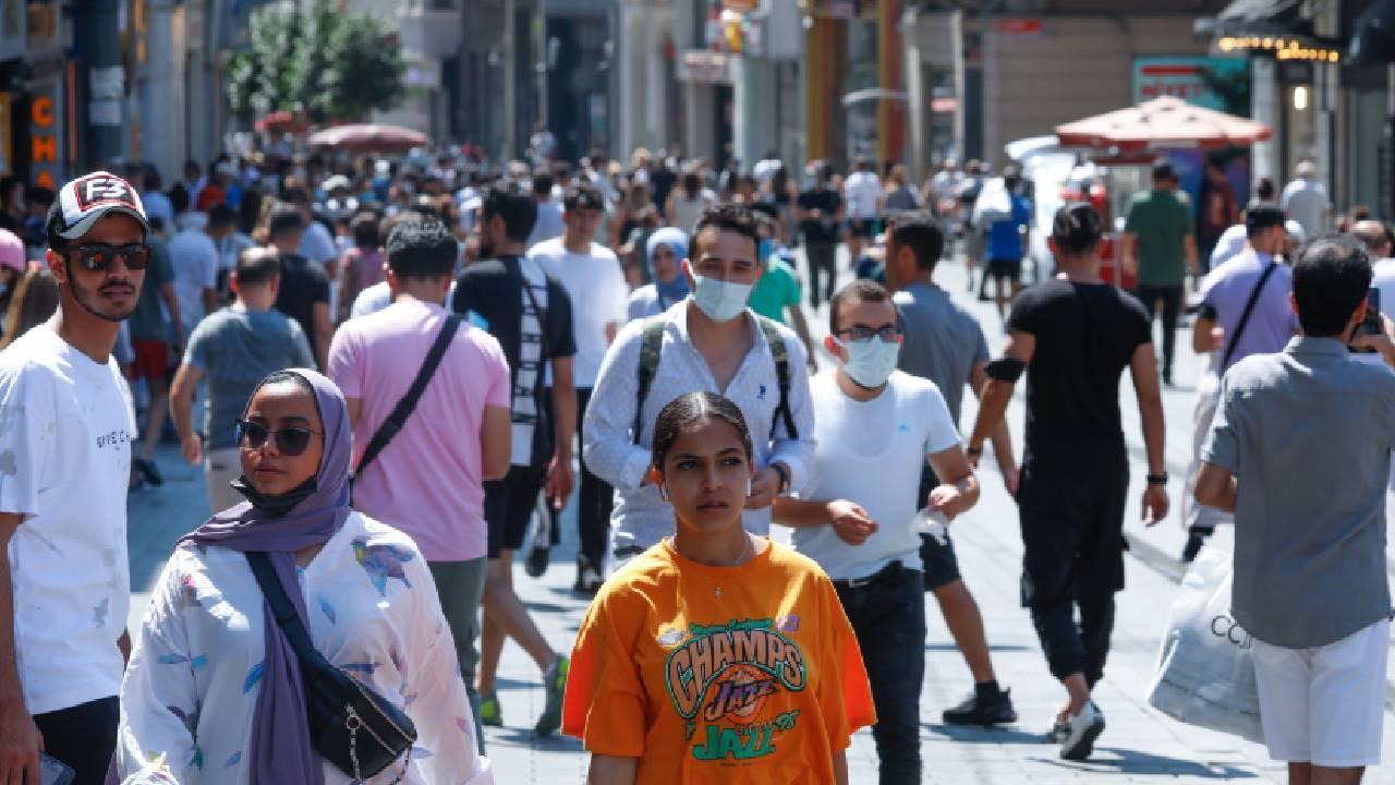İstiklal Caddesi'nde tedbirler hiçe sayıldı