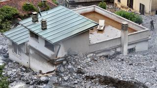 İtalya'nın kuzeyinde sel ve toprak kayması