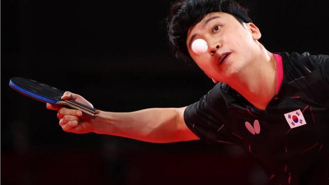 Koreliler masa tenisi oynayamaz diyen Yunan sunucu işinden oldu