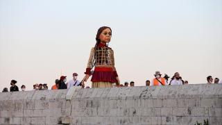 """""""Küçük Amal""""ın İngiltere'ye yolculuğundaki durağı Adana oldu"""