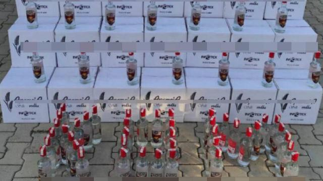 Antalyada bir otelde 1800 litre sahte alkol ele geçirildi