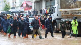 Bakan Soylu selin vurduğu Arhavi'de incelemelerde bulundu