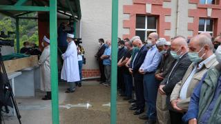 Bakan Soylu, selde hayatını kaybeden kişinin cenaze törenine katıldı