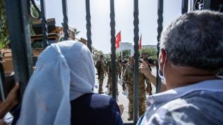 İran'dan Tunus'taki tüm taraflara sükunet çağrısı