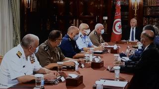 Tunus'ta demokrasiye müdahale: Süreç nasıl ilerledi? Kim, ne dedi?