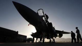 ABD uçakları Afganistan'da Taliban mevzilerini vurdu