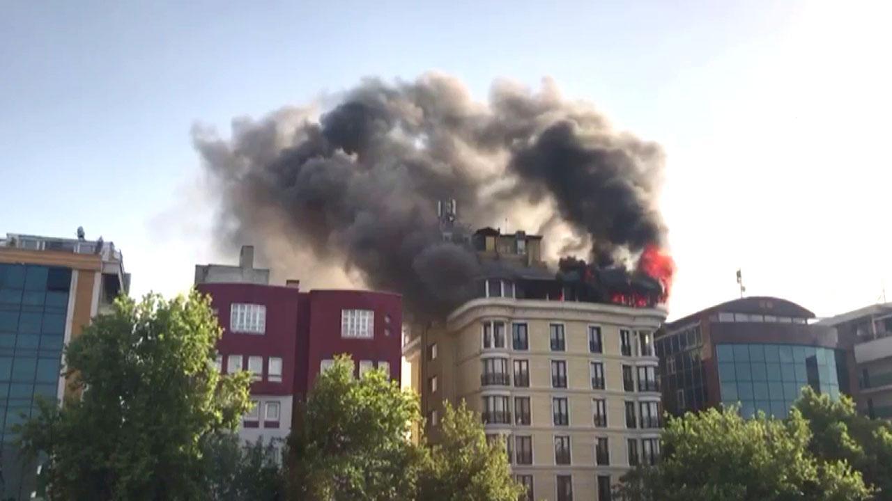 Ankara Maltepe'de çatı yangını